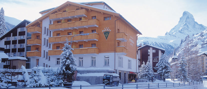 Switzerland_Zermatt_Hotel-Perren_Exterior-winter3.jpg
